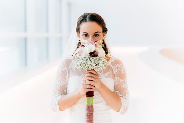 Brautzepter gebunden aus Callablüten im Schleierkrautkranz