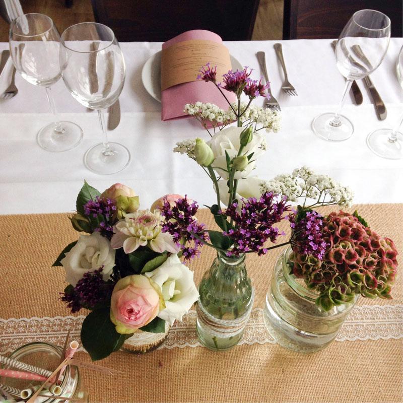 Tischdekoration passend zum Vintage-Look